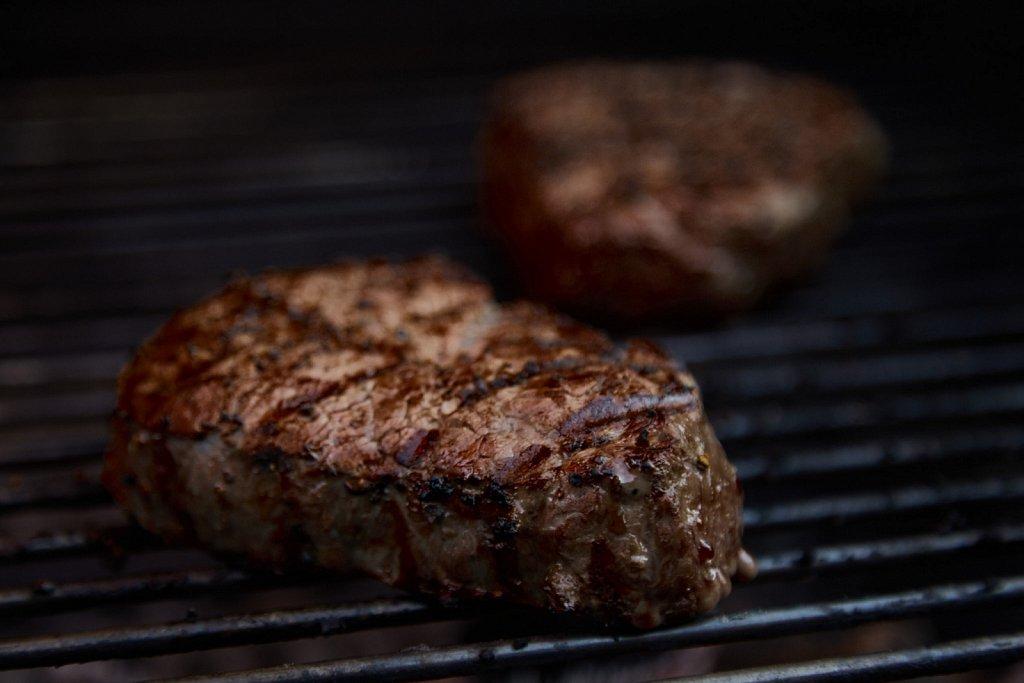 Black-BG-Steaks-0088.jpg